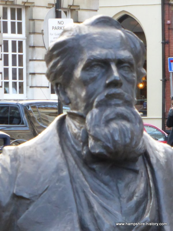 Charles Dickens Statue Porstmouth