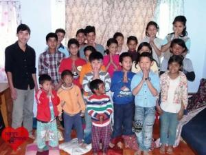 Das Waisenhaus beherbergt etwa 35 Kinder.