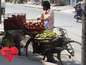 Straßenverkäufer für frisches Obst