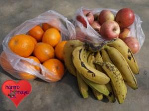 Frisches Obst für die BehindertenschuleFrisches Obst für die Behindertenschule.