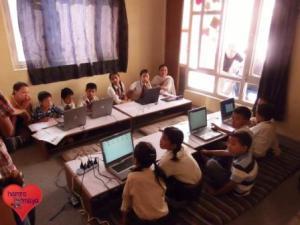 6 Laptops für Compact English School