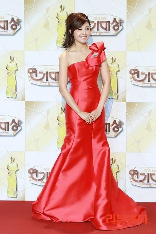 [Photos] 2013 SBS Drama Awards Red Carpet Actresses @ HanCinema :: The Korean Movie and Drama Database