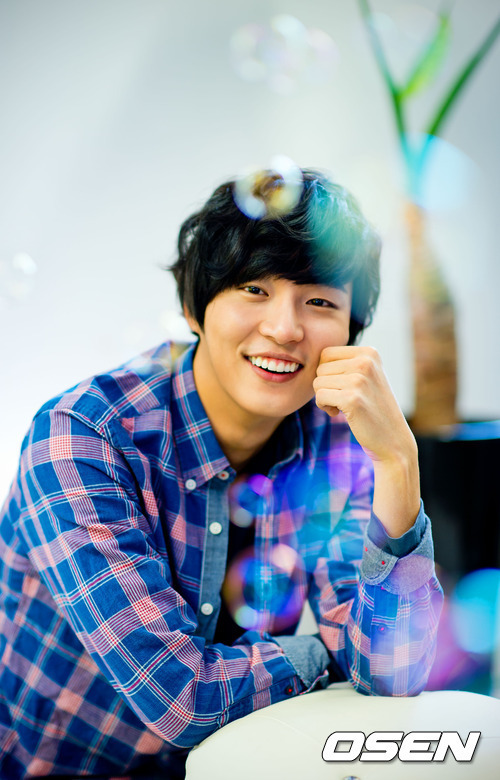 Interview Yoon Si Yoon Quot I Am Responsible For What I Am