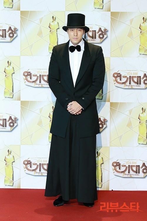 [Photos] 2013 SBS Drama Awards Red Carpet Actors @ HanCinema :: The Korean Movie and Drama Database