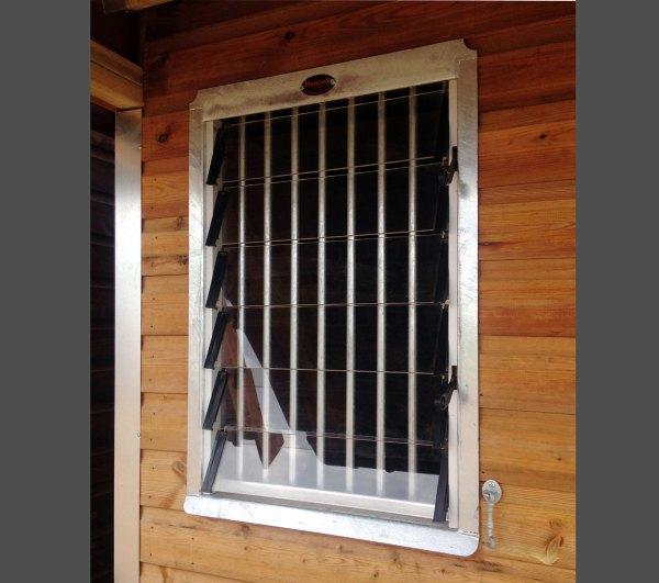 Fixed Louvre Windows - Hancox Equestrian