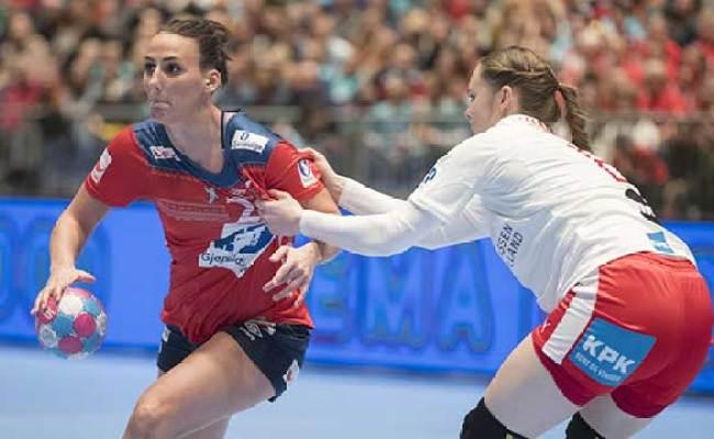 Solid Seier Over Danmark Handball No