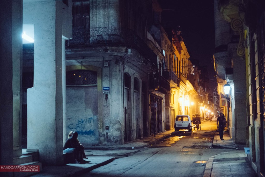 streetlights at night havana cuba