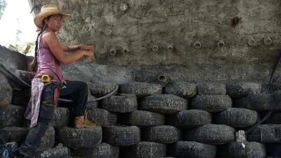 Recycling-Potenzial: 5,3 Millionen Reifen werden jedes Jahr in Kolumbien entsorgt. Quelle: AFP