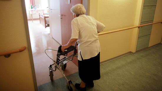 Steuertipp Streit um Steuerbonus im Pflegeheim