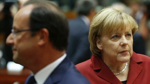 Angela Merkel und Francois Hollande: Die Zusammenarbeit funktioniert momentan nicht gut. Quelle: Reuters