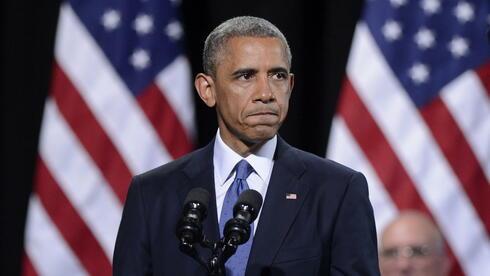US-Präsident Barack Obama überlegt offenbar, die im Irak vorrückenden IS-Milizen aus der Luft anzugreifen. Zudem sei auf dem selben Weg auch eine humanitäre Unterstützung der Flüchtlinge möglich, beispielsweise durch abgeworfene Lebensmittel. Quelle: dpa