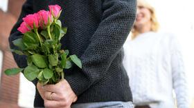 Ein Strauß Rosen am Frauentag? Muss nicht sein. Quelle: dpa