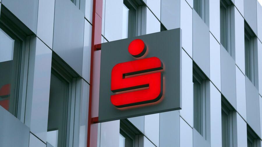 Bei der Sparkasse Werra-Meißner wurden einige Kunden um ingesamt fast eine Million Euro geprellt. Quelle: dpa
