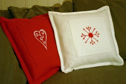 Julkuddar i linne med handtryckt stjärna/hjärta