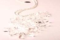 Halsband, silverkedja, bergskristaller