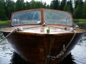 Ein schönes Holzboot