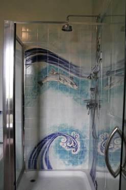 Fish / waves tiles shower tiles