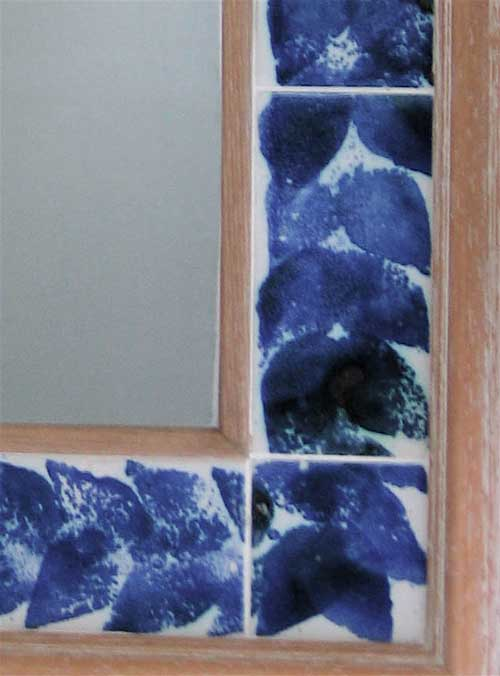 Sponge print mirror border.
