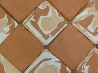 agateware with plain tiles