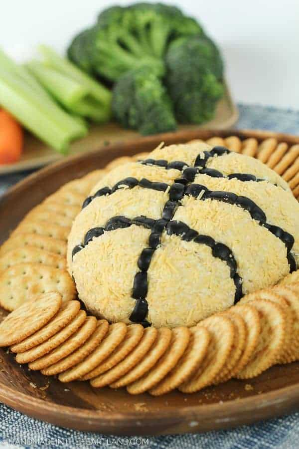 French Onion Basketball Cheeseball