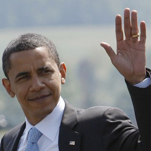 Barack Obama - left hand wave at the airport.