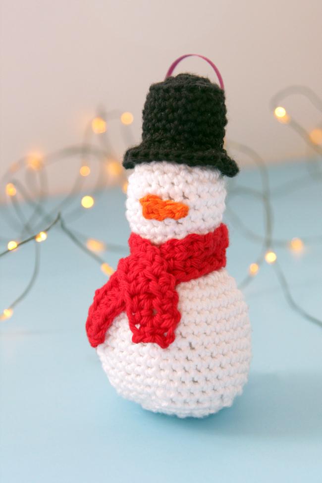 Christmas Ornament Crochet Pattern