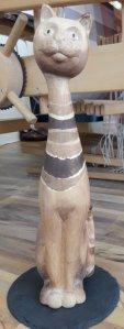 Katze aus Holz von Silke Kremien im Atelier Ziege, Schwerin, Ziegenmarkt 1