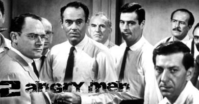 """12 Angry Men çoğunlukla göz ardı edilmiş, """"eski"""" olmasından kaynaklı da günümüzde pek fazla hatırlanmayan bir film. Oysa ki genç Sidney Lumet'nin başarılı yönetimi, başta Henry Fonda olmak üzere tüm oyuncuların naif ama gürleyen oyunculukları ve tek bir noktaya odaklanan ama insani durumları fazlaca ortaya koymasıyla mutlaka izlenilmesi gereken filmlerden."""