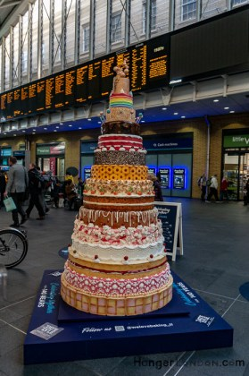 140 years of Tate and Lyle 15 tier cake at Kings Cross 1
