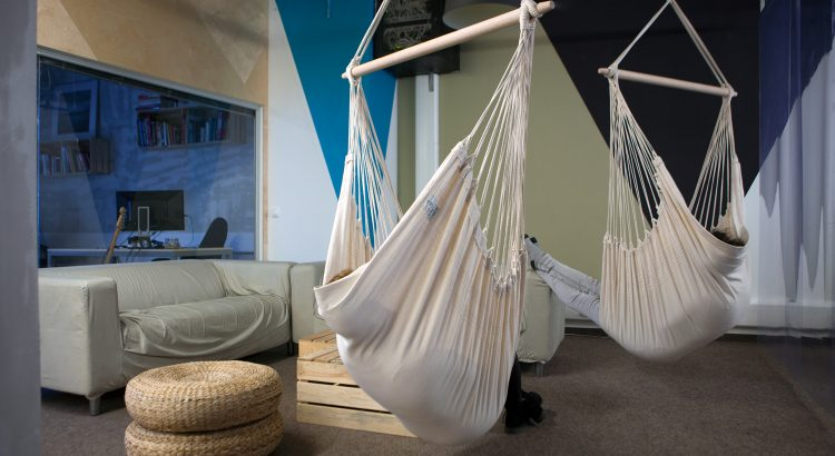 hanging chair in living room folding aluminum lawn chairs canada 7 reasons why to hang a hammock indoors