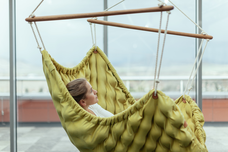 Review SWINGY IN by Linda Vrnakova  LIV Design