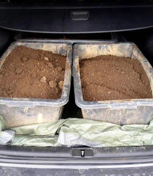 Transport von Gartenerde, Kompost und Rindenmulch