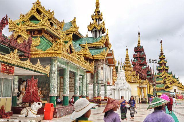 2 1024x683 - The Golden Pagoda - S H W E D A G O N Pagoda, Myanmar