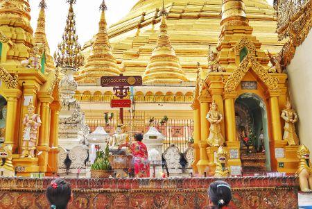 4 - The Golden Pagoda - S H W E D A G O N Pagoda, Myanmar
