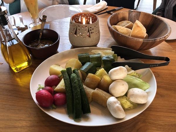 CROSS TOKYOの「厳選野菜のバーニャカウダ」