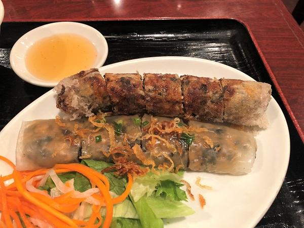 ベトナム料理屋「レストラン-サイゴン有楽町店」・揚げ春巻きと蒸し春巻きのセット「ネムクンランチ」のアップ