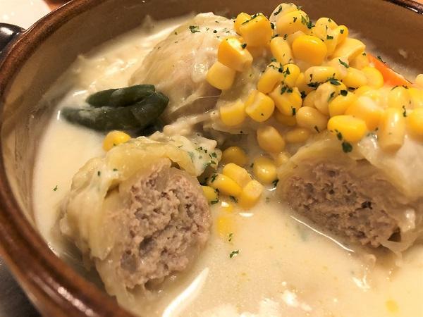 東京・錦糸町の洋食屋さん「シラツユ」。みっちりお肉が詰まったロールキャベツ