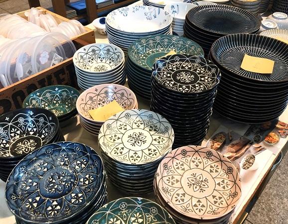 202009美濃焼の「みのる陶器」の食器。カラフルな器も