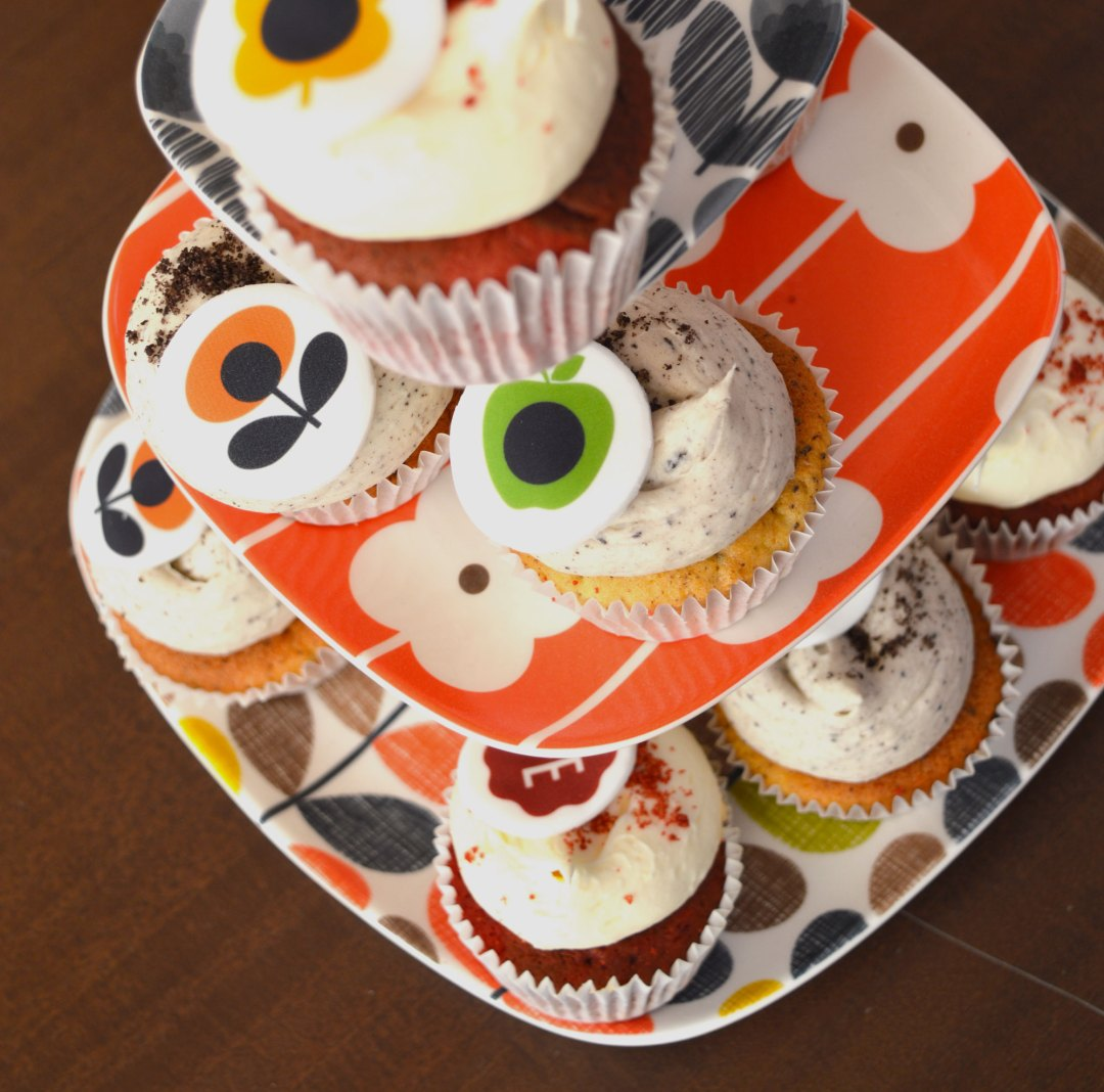 Orla Kiely cupcakes and cake stand