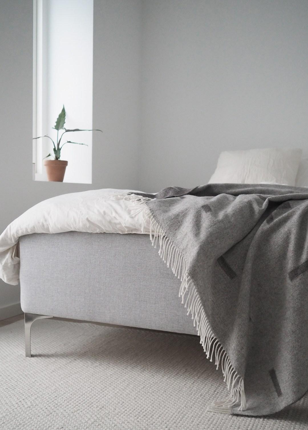 Minimalist bedroom, Dunlopillo bed