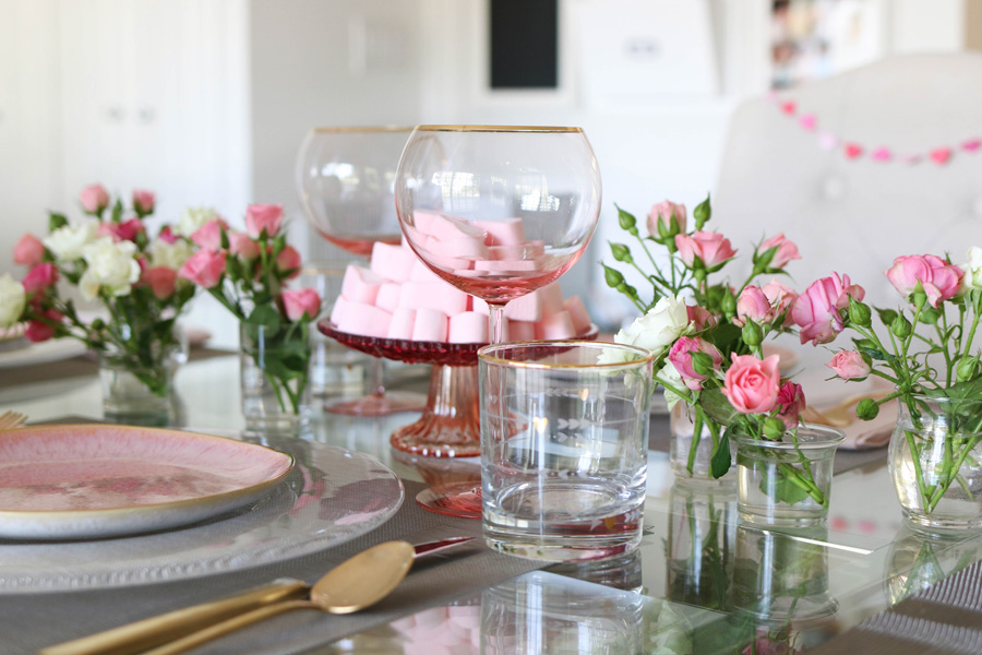 A Simple and Elegant Valentines Day Tablescape