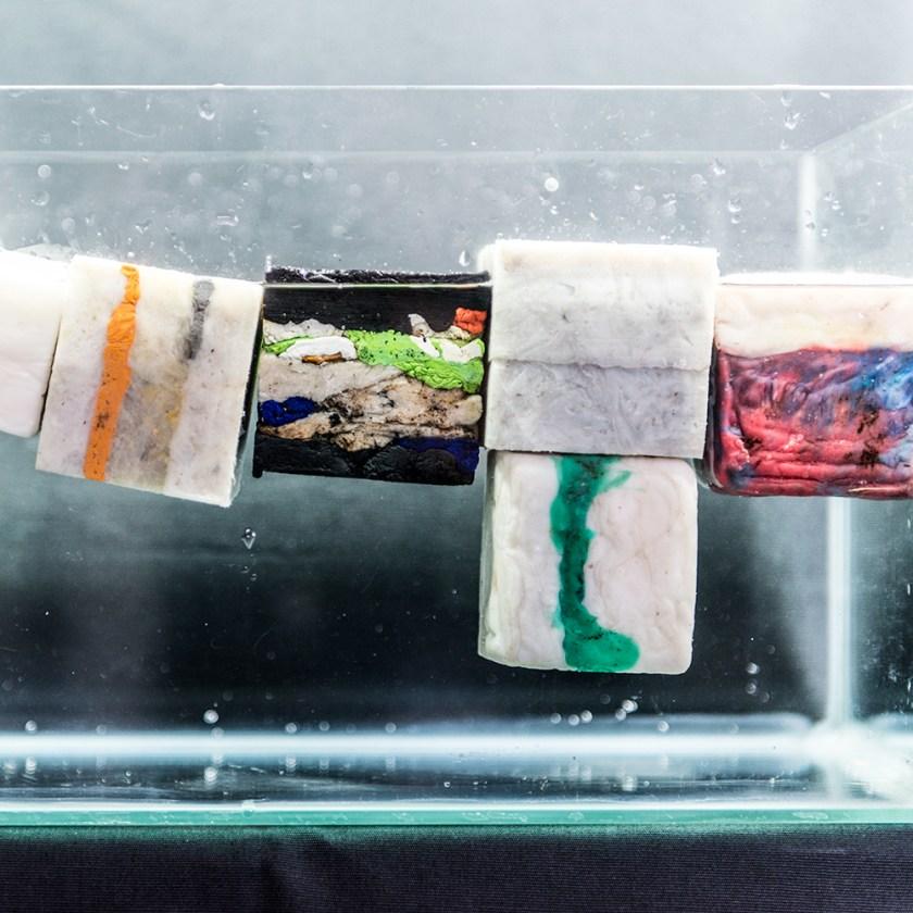 Plastic Cast Float Test