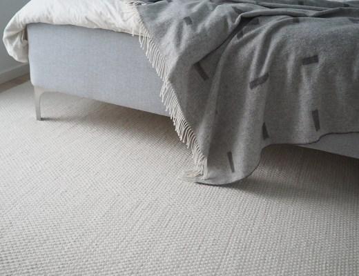 minimalist bedroom dunlopillo bed review