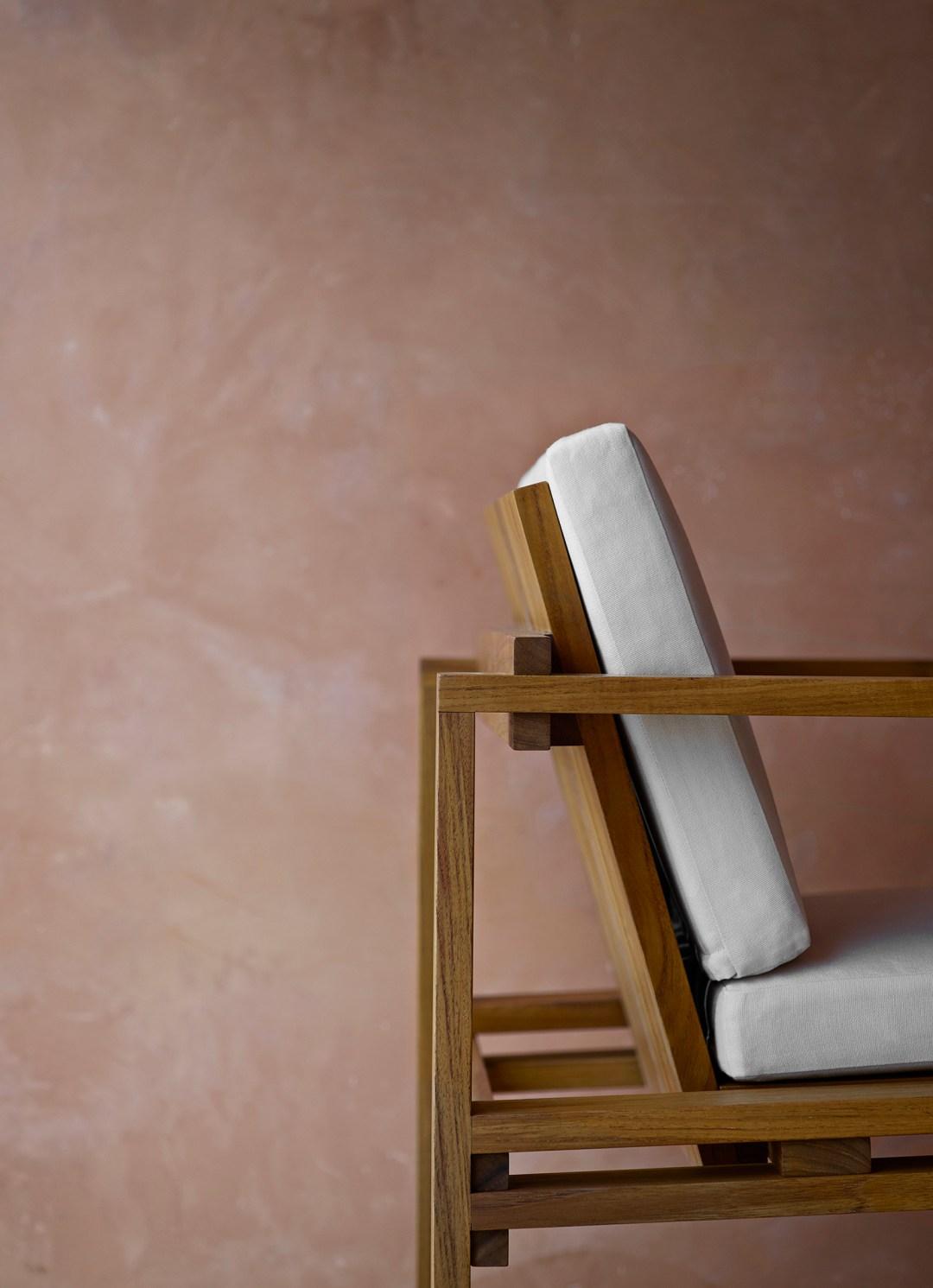 Carl Hansen & Søn's indoor/outdoor collection - with design classics