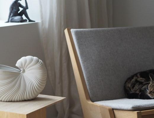 Ferm Living Shell pot - sculptural lines and shadows