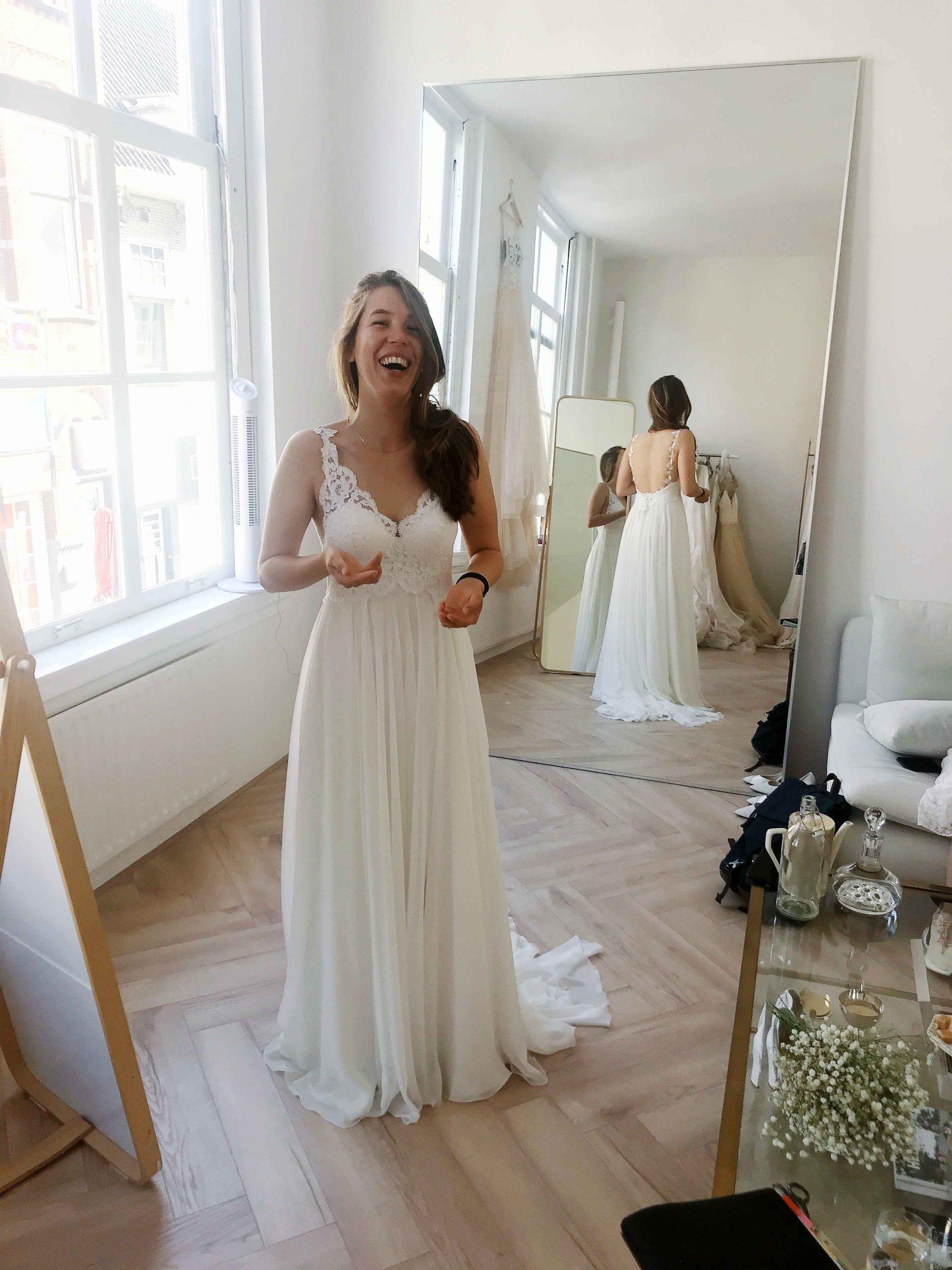 Duurzame trouwjurk laten maken, Hanneke Peters Couture, duurzame bruiloft, duurzaam trouwen, trouwjurk Lyocell, bohemian trouwjurk duurzaam, organische trouwjurk. Verantwoorde trouwjurk, ecologische bruidsjurk