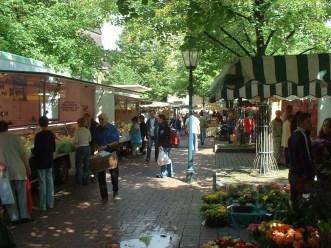 Buntes Treiben auf dem Lindener Markt