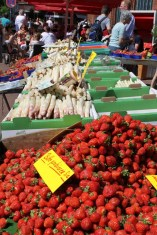 Auf dem Lindener Markt bekommt man alles was das Herz begehrt