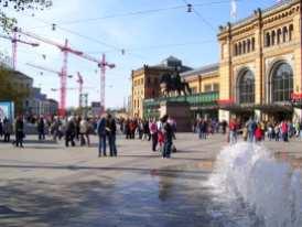 Ernst-August-Platz mit Baustelle für die neue Galerie