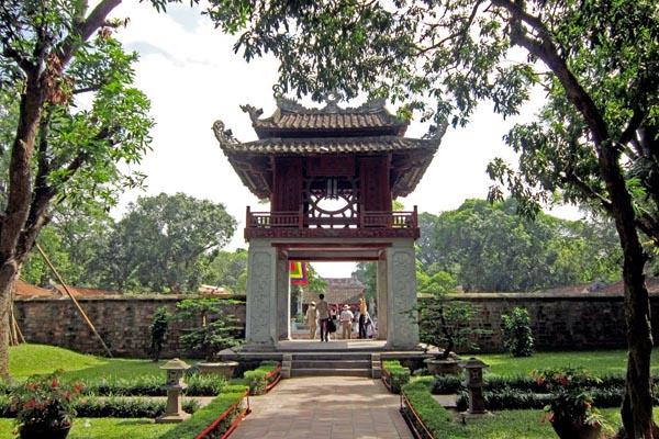 hanoi attractions - literature temple